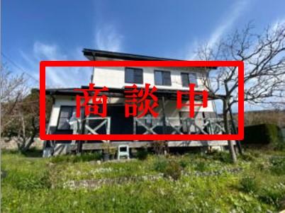 【南房総・鴨川市】澄んだ空気、自然豊かな里山、吹き抜けが開放的な戸建別荘